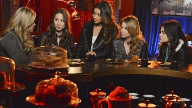 Pretty Little Liars s05 : Spencer et Aria peuvent-elles faire confiance à Alison ?