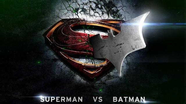 DC Comics Batman et Superman sallient contre Marvel