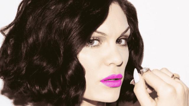 Jessie J très sexy dans le clip Burnin Up avec 2 Chainz