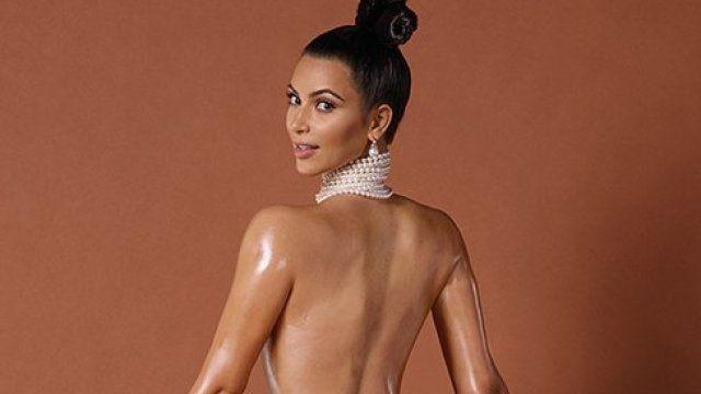 Kim Kardashian : quelle somme d'argent a gagné la bimbo pour ses photos dans Paper?