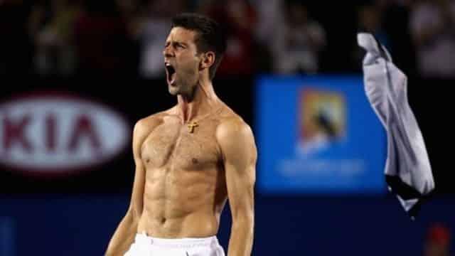 La Foire aux Vine : Djokovic jongle avec Karim Benzema et Gareth Bale, Ed Sheeran sait compter en français et des pickpokets pas comme les autres
