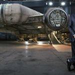 Star Wars 7 : le Faucon Millenium se dévoile sur de nouvelles photos
