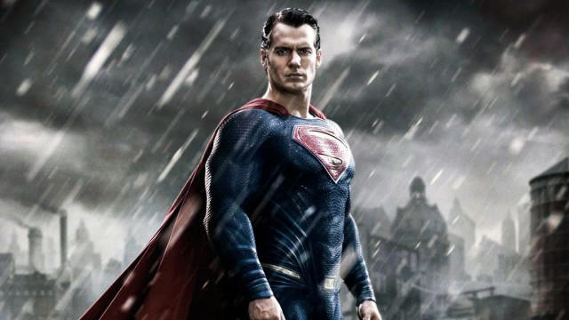 """Batman V Superman: le film n'est pas une suite de """"Man of Steel"""" selon Henry Cavill"""