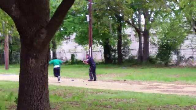 Etats-Unis: un policier abat un afro-américain de 8 balles dans le dos