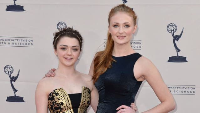 Game Of Thrones saison 5: Maisie Williams (Arya) et Sophie Turner (Sansa) ont bien grandi!