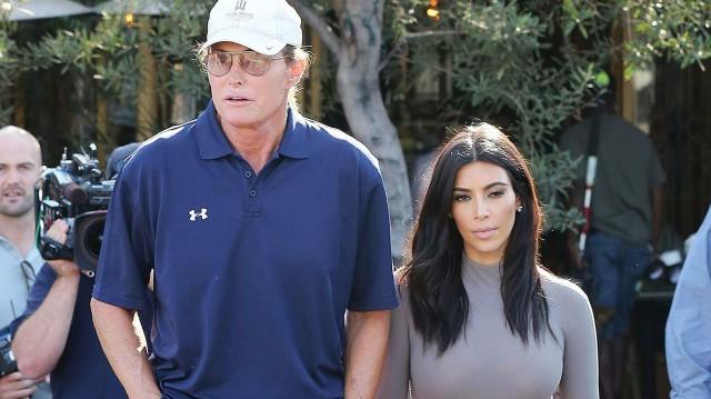 Kim Kardashian prête à aller faire du shopping avec Bruce Jenner