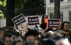 """Les manifestants """"Je Suis Sur Ecoute"""" hier"""