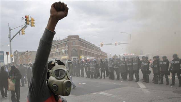 Morning News : Chômage record chez les jeunes, Un suspect arrêté pour l'enlèvement de Bérényss, Nuit d'émeute à Baltimore