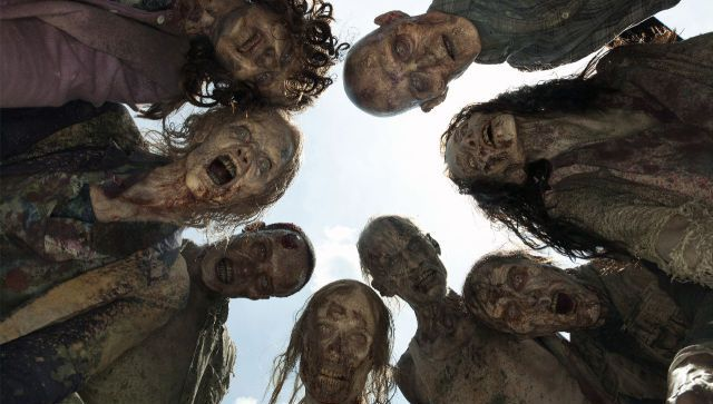 The Walking dead: les zombies envahissent le métro pour une caméra cachée traumatisante!