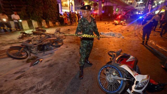 Morning News: le suspect de l'attentat de Bangkok identifié, l'allocation de rentrée versée aujourd'hui, Windows 10 cartonne malgré les bugs