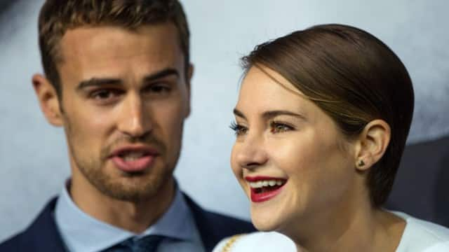 celebrities whos dating who