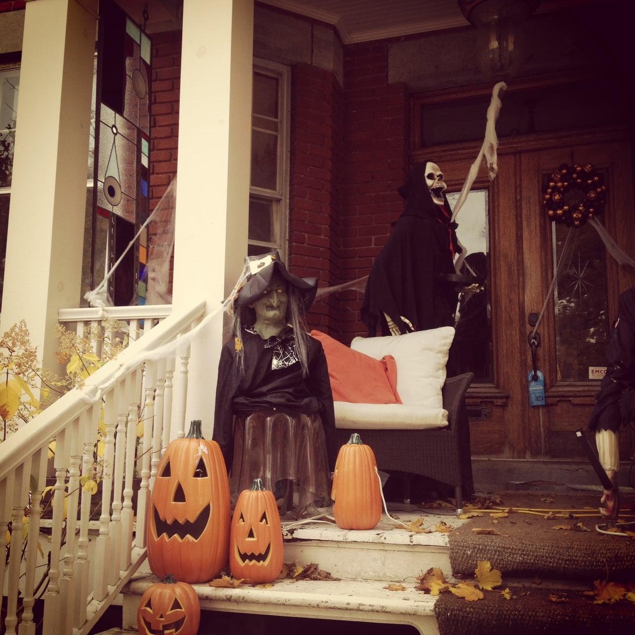 Halloween 12 Top 12 des maisons décorées les plus horribles et ...