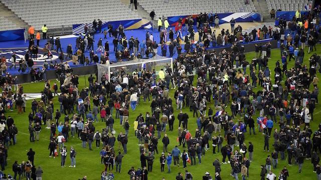 Attentats de Paris: Les témoignages bouleversants receuillis par MCE( vidéo)