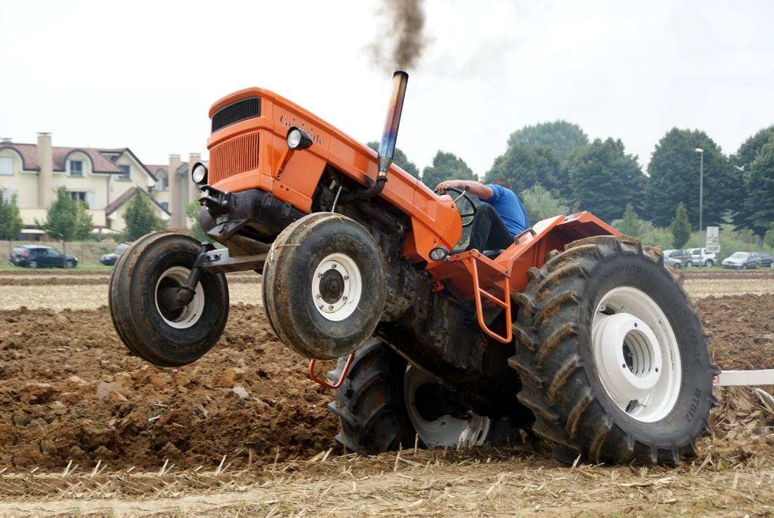 Calvados: renvoyé d'une discothèque, il revient avec un tracteur