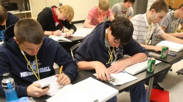 IPECOM: Réduire le fossé entre Lycée & Prépa, tutorat des lycéens en 1ère et Terminale
