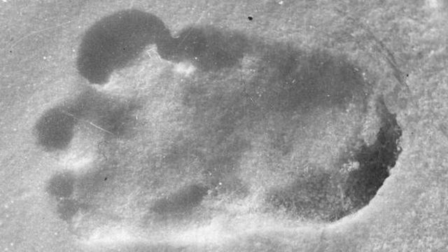 Exclu Un alpiniste fait la découverte extraordinaire de traces de Yéti !