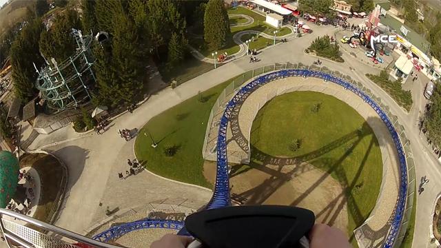 Les-meilleures-attractions-de-France-l'Alpina-Blitz-du-parc-Nigloland-!