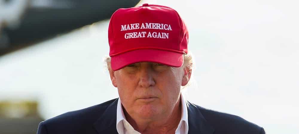 Etats-Unis: l'importance des théories du complot lors de l'élection