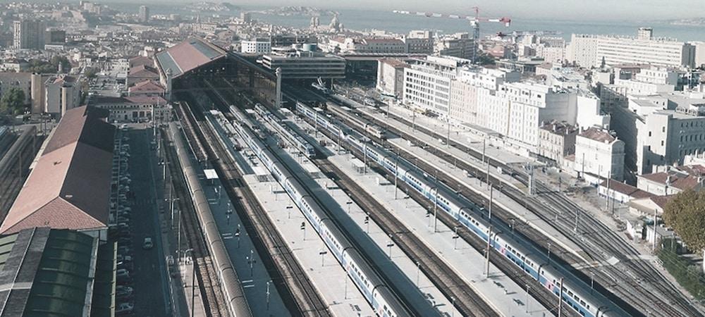 Marseille: deux hommes soupçonnés de préparer un attentat arrêtés de justesse