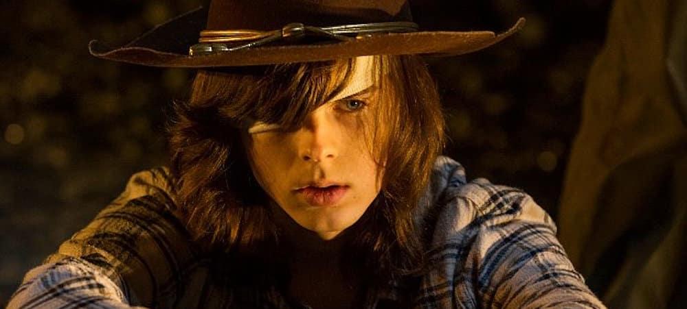The Walking Dead saison 8: L'interprète de Carl tease sa mort sur Twitter !