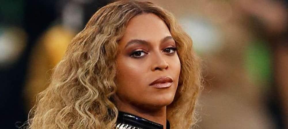 Beyoncé: Elle montre ses jumeaux en plein concert et ses fans sont hystériques !