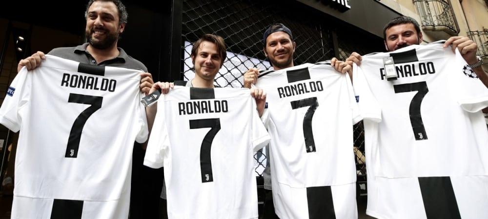 Cristiano Ronaldo Des ouvriers de Fiat en grève suite à son transfert à la Juventus grande