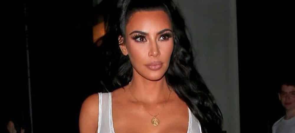 Kim Kardashian, accusée d'avoir fait bronzer sa peau pour une photo Instagram !
