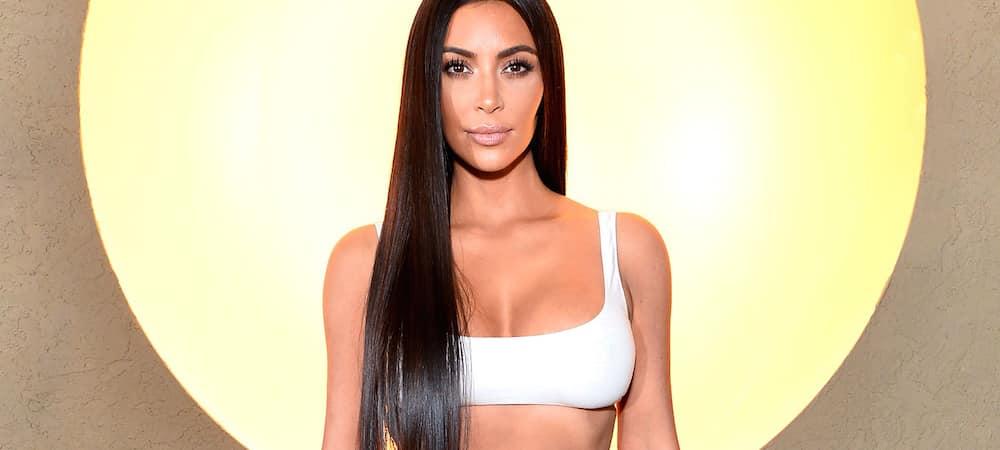 Instagram: Kim Kardashian s'affiche sans soutien-gorge sous un top gris ultra moulant !