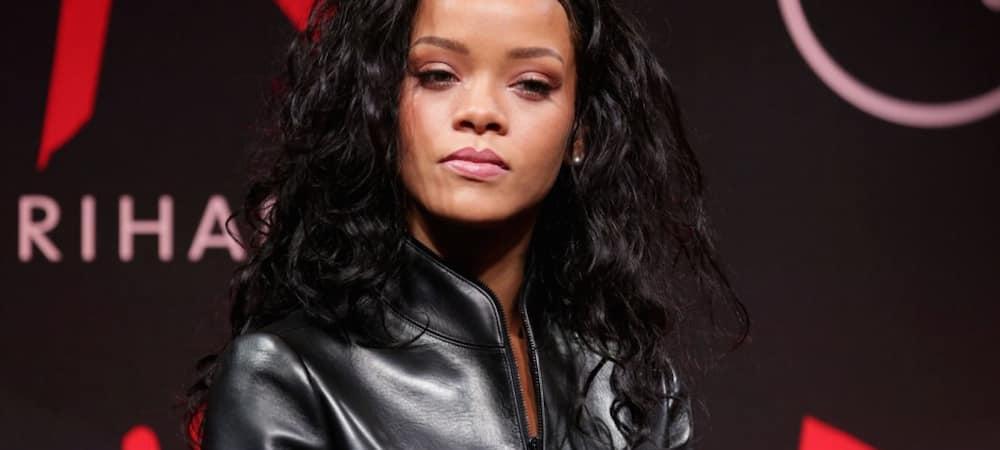 Instagram: Rihanna se transforme en bouquet de fleurs pour la Une du magazine Garage !