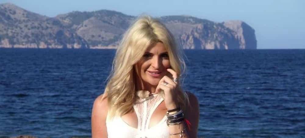 10 couples parfaits 2: Mélanie se confie sur son arrivée auprès des anonymes