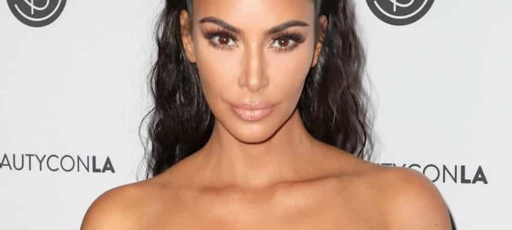 Instagram: Kim Kardashian dévoile un gros décolleté dans une robe blanche !