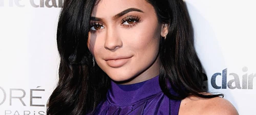 Instagram: Kylie Jenner très sexy dans une combinaison en jean !