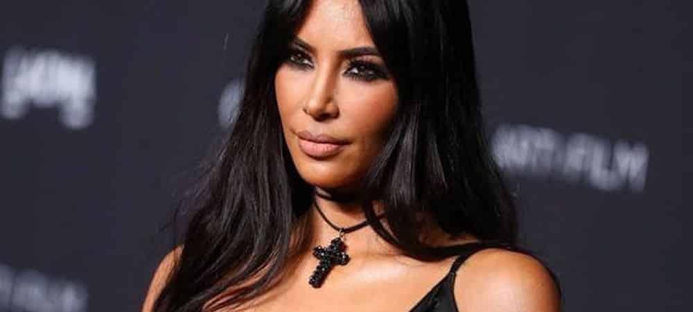 Kim Kardashian dévoile une robe transparente lors des People's Choice Awards !