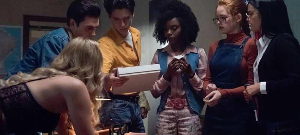 """Riverdale saison 3: Le casting réagit après la diffusion de """"The Midnight Club"""""""