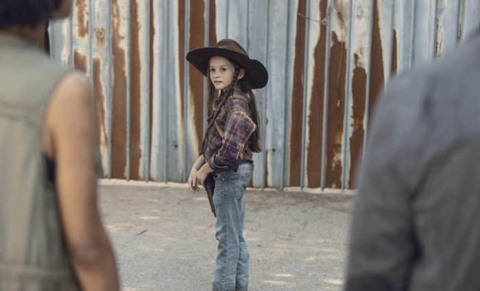 The Walking Dead saison 9: Judith Grimes se dévoile un peu plus sur des photos !