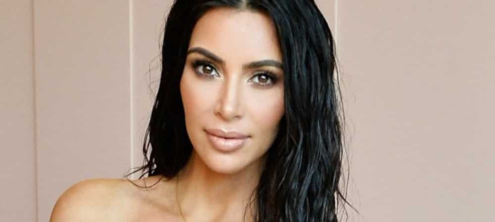 Kim Kardashian aurait retouché sa photo de famille avec Khloe Kardashian !