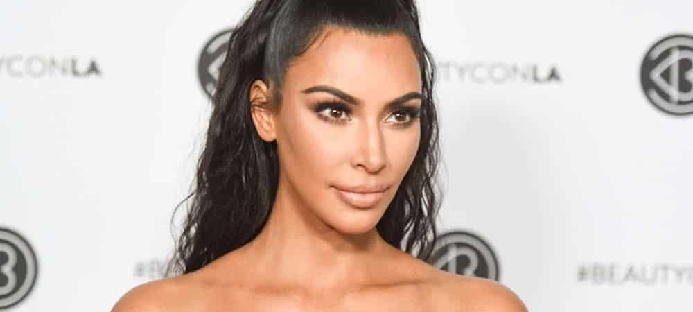 Kim Kardashian, nostalgique, elle partage une photo de son enfance !