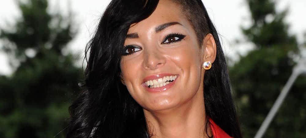 Emilie Nef Naf: la jeune femme clashe violemment les «meufs aigries»!