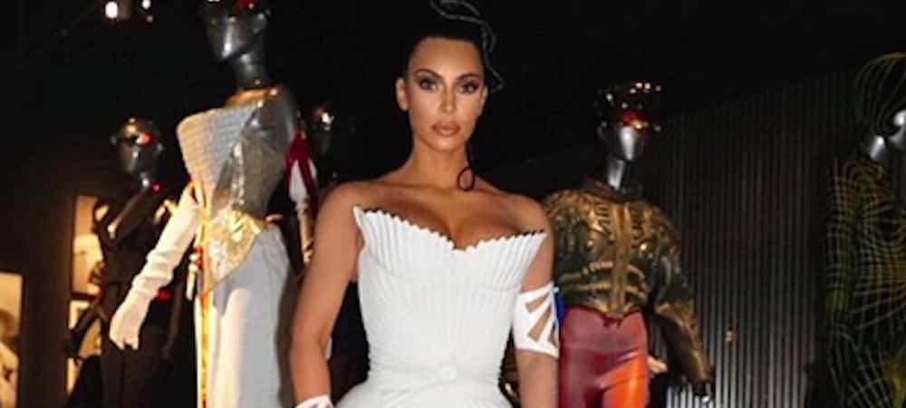 Instagram: Kim Kardashian dévoile une robe ultra moulante !