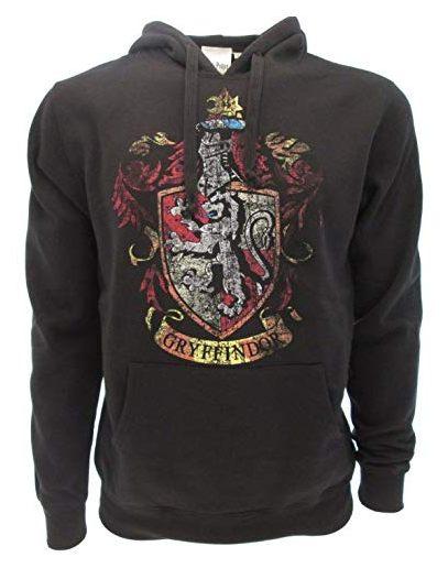 17 Un autre accessoire de mode à avoir absolument si vous êtes fans de la saga, le Hoodie Blason Gryffondor
