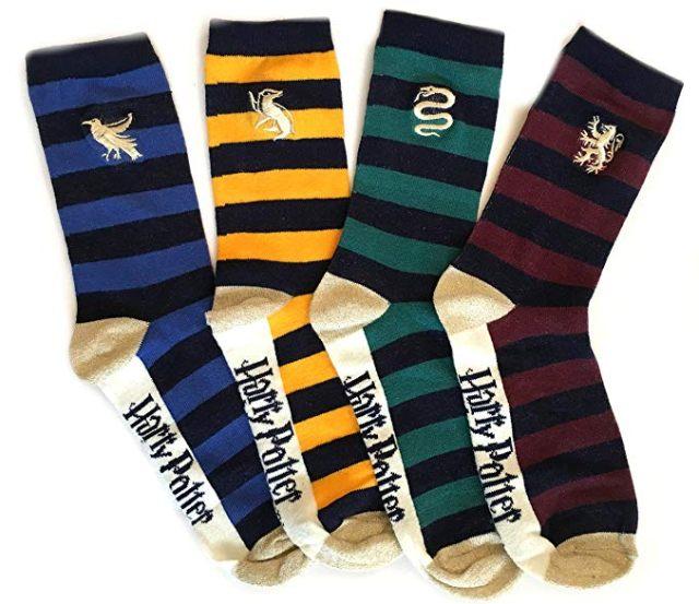 24 Si tu es un vrai fan de la saga Harry Potter, il te faut absolument ces paires de chaussettes