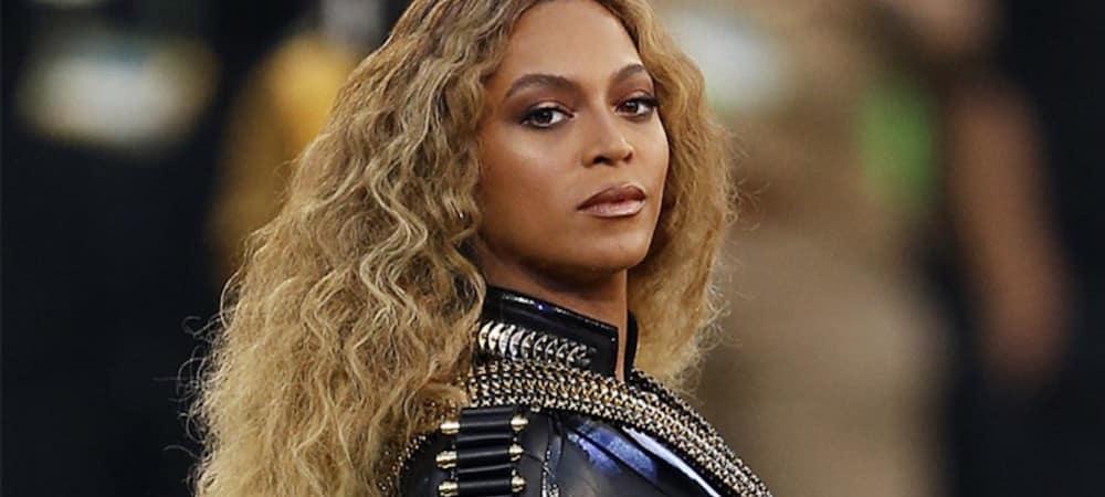 Beyoncé: Un acteur l'embrasse devant Jay-Z lors d'une cérémonie !