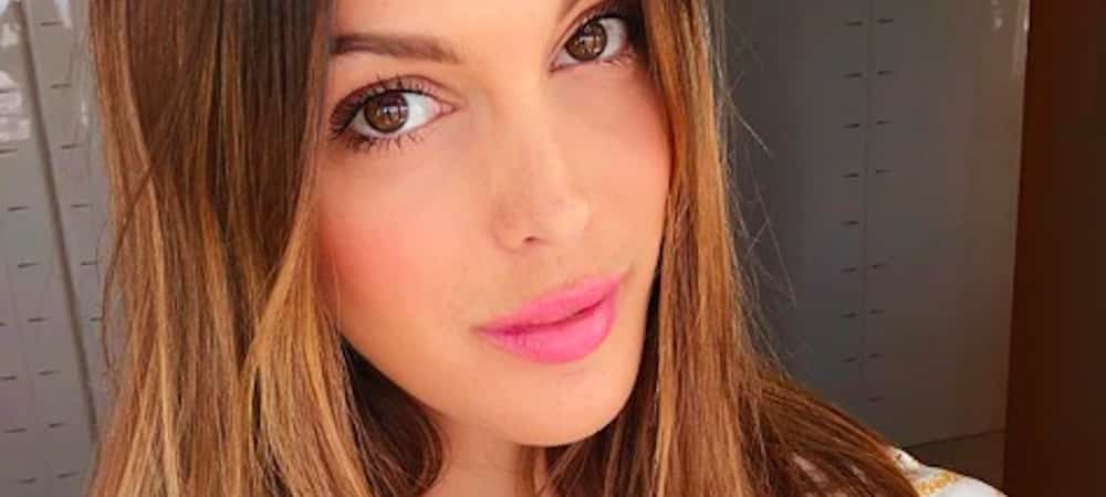 Iris Mittenaere s'affiche avec un regard de braise sur Instagram !
