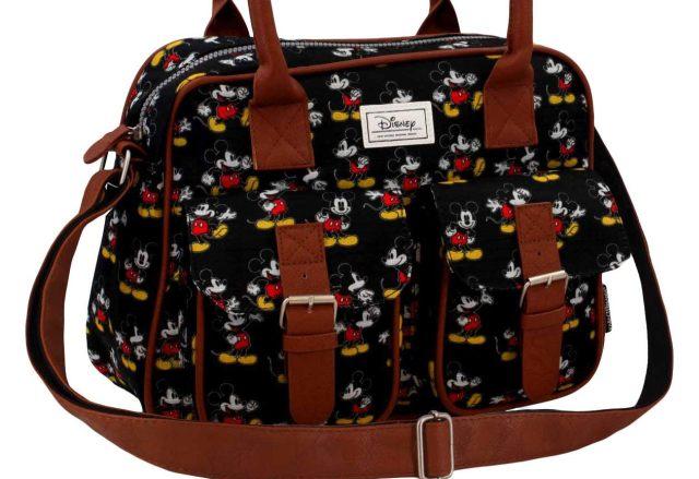 1 Un sac bandoulière Mickey qui servira de sac à main, de sac de cours ou aussi de sac de sport