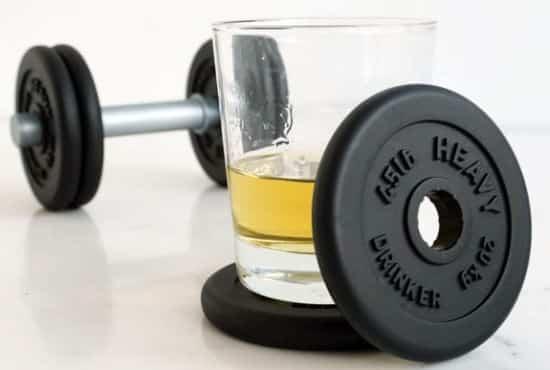 1 Votre papa est un sportif qui adore la bière, on a trouvé ce qu'il lui faut. Achetez lui ces haltères sous verre à bière