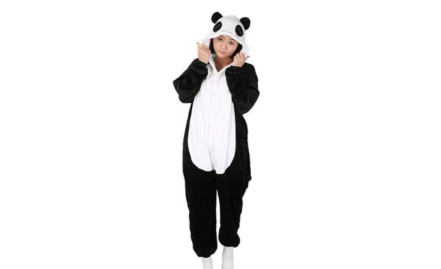 11 Ce Kigurumi ou pyjama pour adulte te permettra de ressembler à un panda chez toi ou lors de rassemblement cosplay