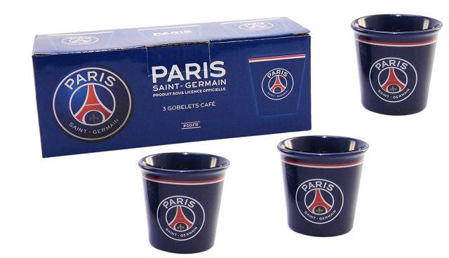 11 Tu bois du café tous les matins, on a trouvé un coffret de 3 tasses aux couleurs du PSG pour toi