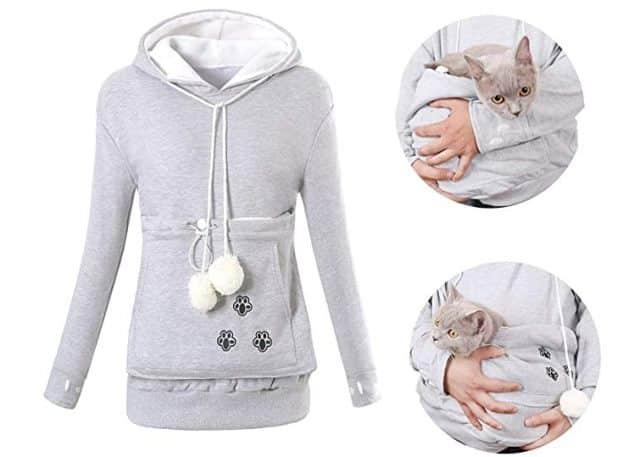 14 On a trouvé le pull le plus cool du monde pour sortir avec votre chat. Vous allez pouvoir l'emmener partout