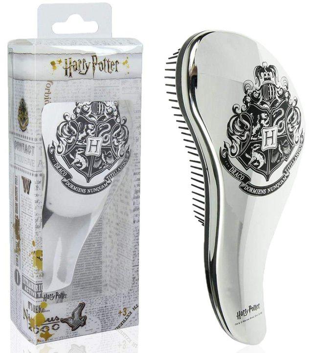 16 Pour toujours avoir des cheveux magnifique, pensez à emmener votre brosse partout