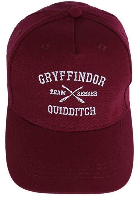 19 Pour se protéger du soleil, n'oubliez pas de mettre cette superbe casquette Gryffindor de Harry Potter